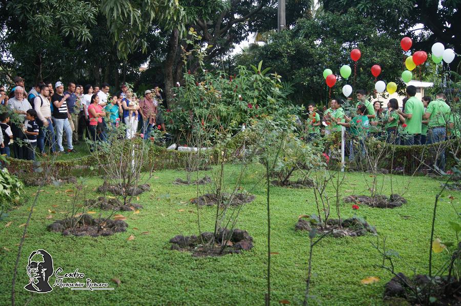 Jardín de Rosas - Departamento de Teología y Centro Monseñor ...